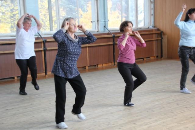 В Ярославле прошел мастер-класс по буги-вуги для пожилых людей - YarNews.net