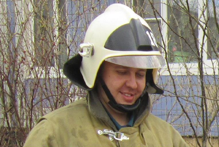ВЯрославле пожарный умер впроцессе тушения огня