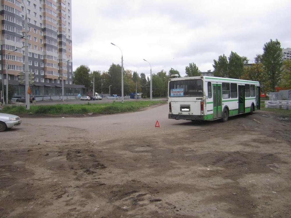ВЯрославле всалоне автобуса упал пассажир
