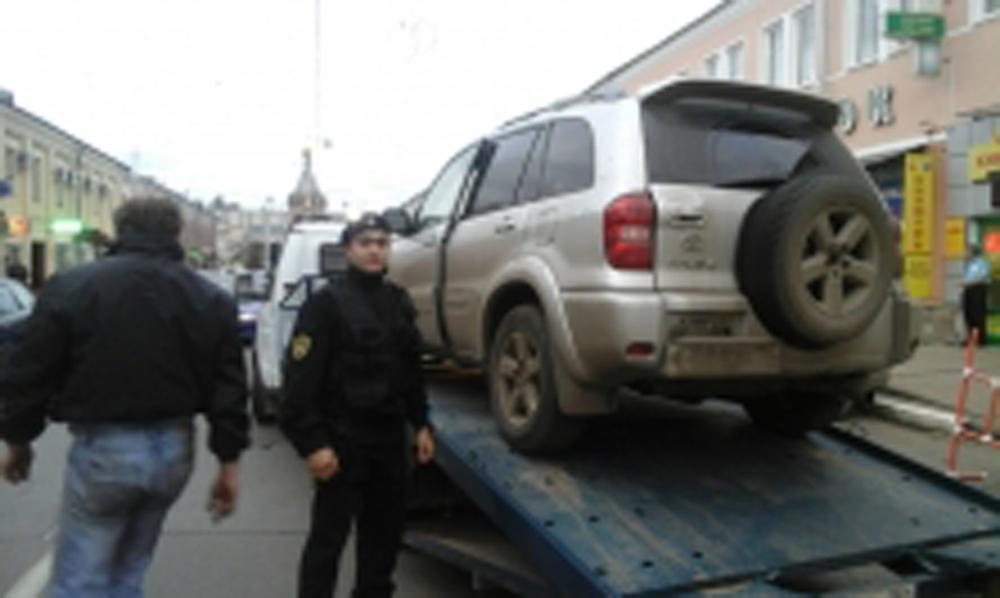 ВЯрославле владелица автомобиля считала, что ейнедо полумиллионного долга банку