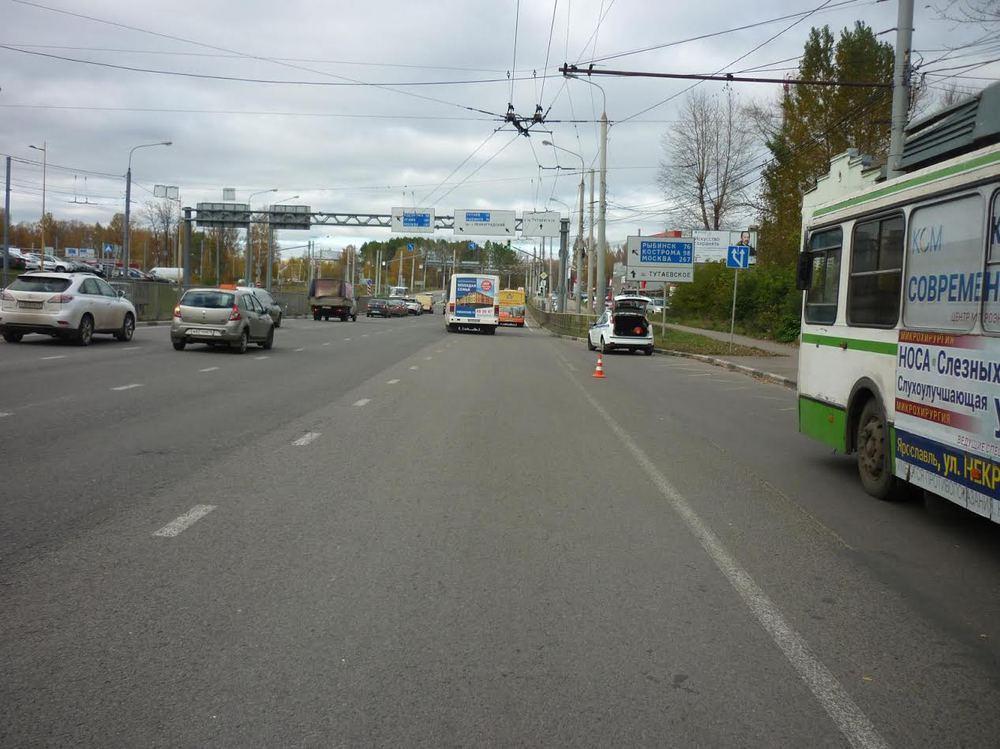 Заодин день втранспорте Ярославля упали два престарелых человека
