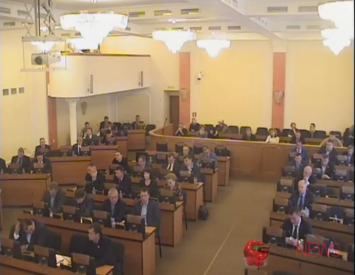 Мэрия потребовала депутатов утвердить порядок избрания главы города даже без прочтения документа