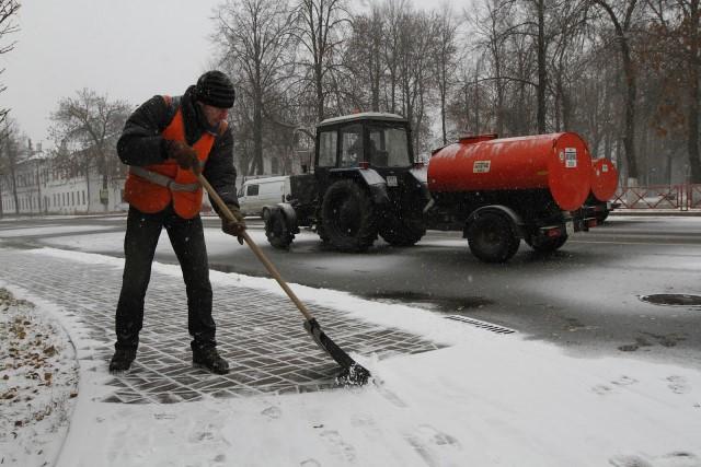 ВЯрославле подрядчики должны увеличить количество снегоуборочной техники