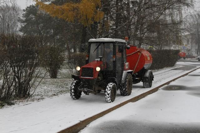 ВЯрославле увеличивают количество снегоуборочной техники на дорогах