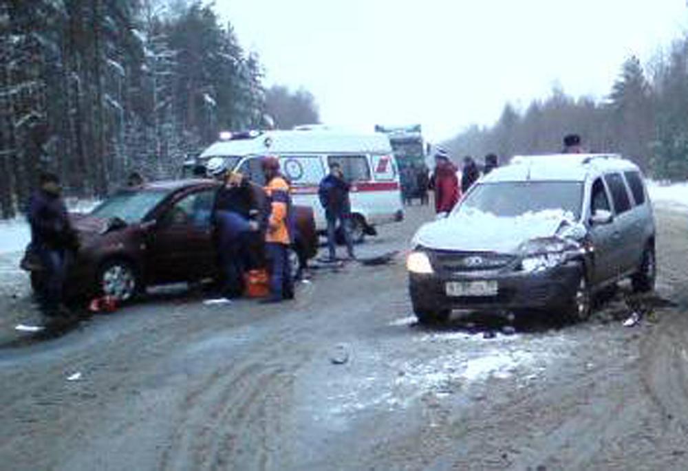 Под Ростовом столкнулись 4 автомобиля: есть пострадавшие