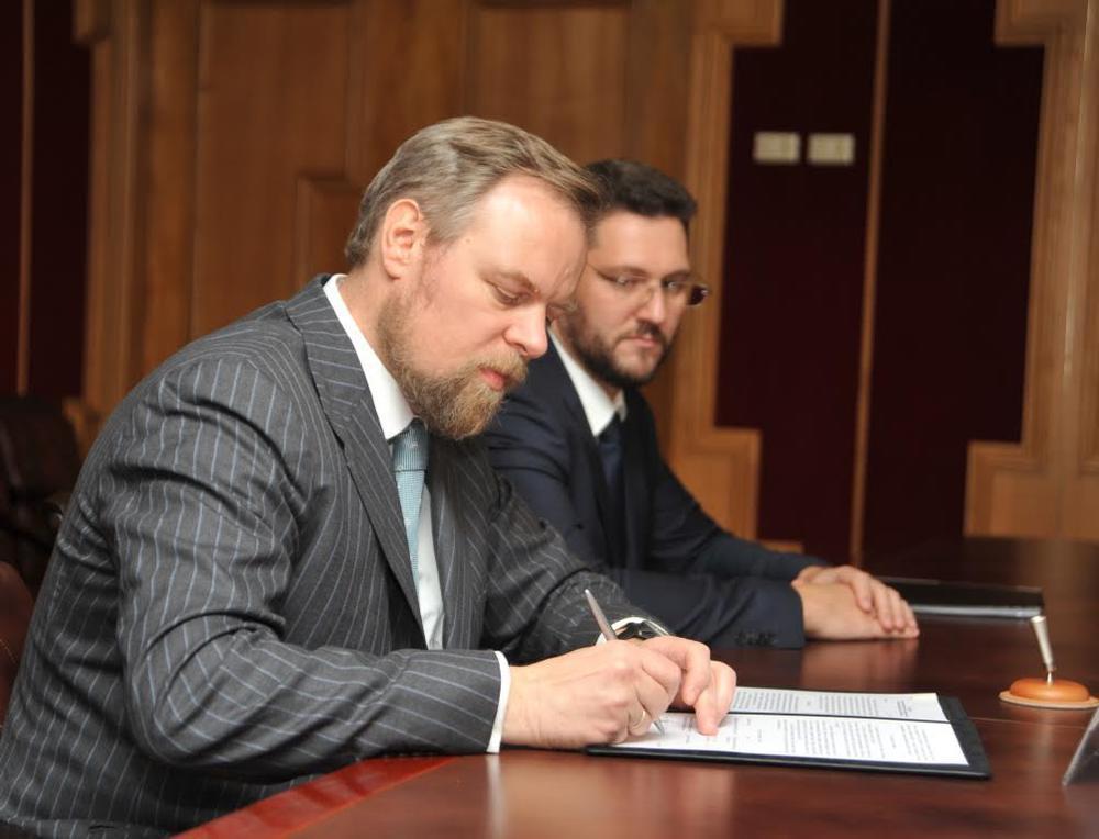 Промсвязьбанк провёл рабочую встречу сгубернатором Тюменской области