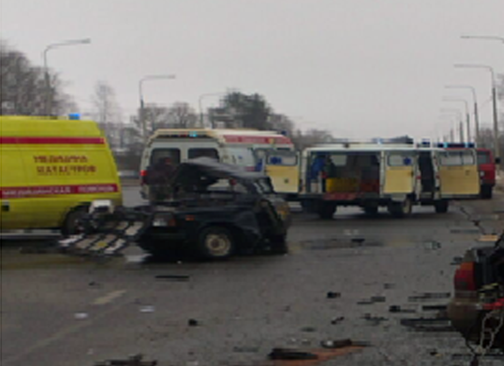 ВДТП натрассе Ярославль-Рыбинск два человека погибли, четверо пострадавших