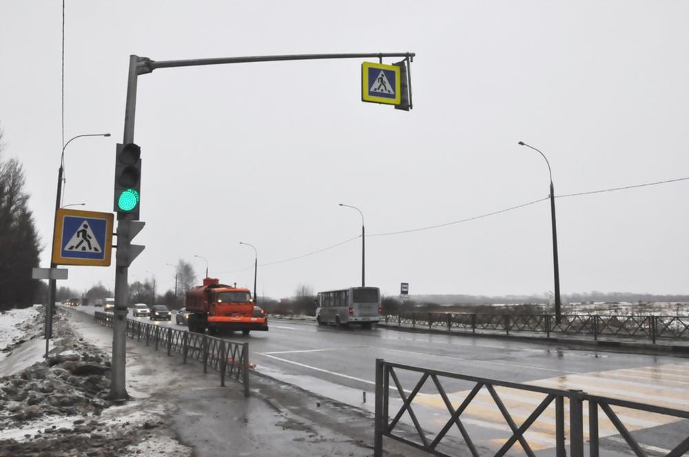 Натрассе Ярославль-Рыбинск установили тросовые ограждения