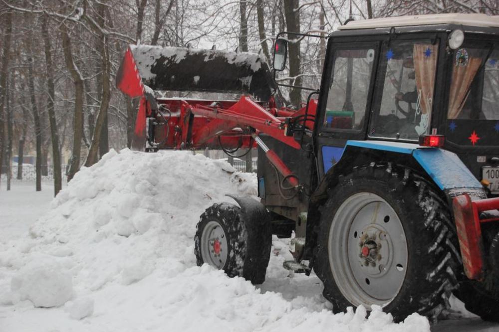 ВЯрославле началось возведение ледяных горок