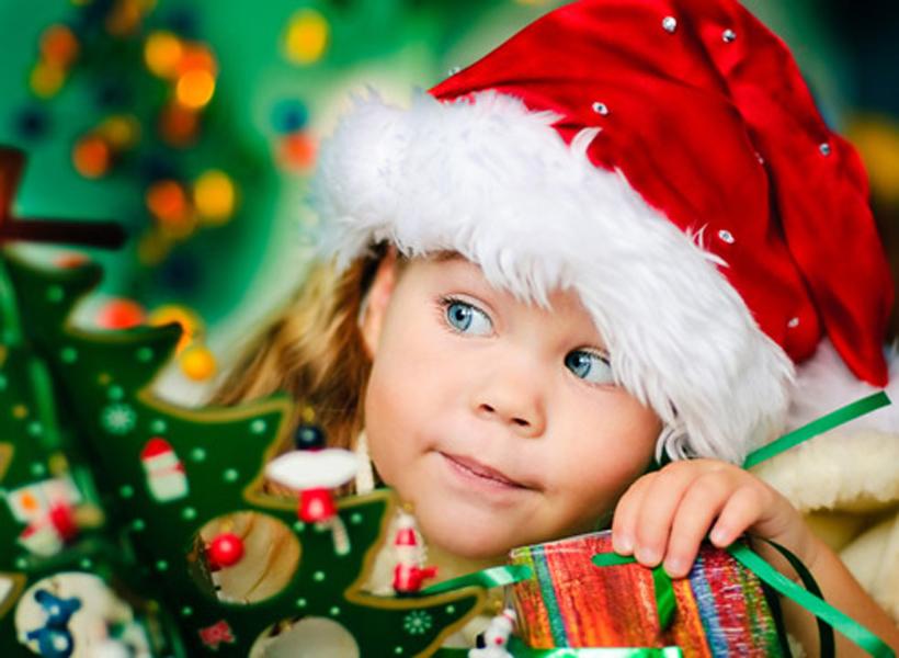 Куряне собирают новогодние подарки для детей изДонецка иЛуганска