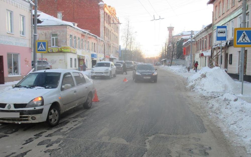ВРыбинске иностранная машина сбила 17-летнюю девушку
