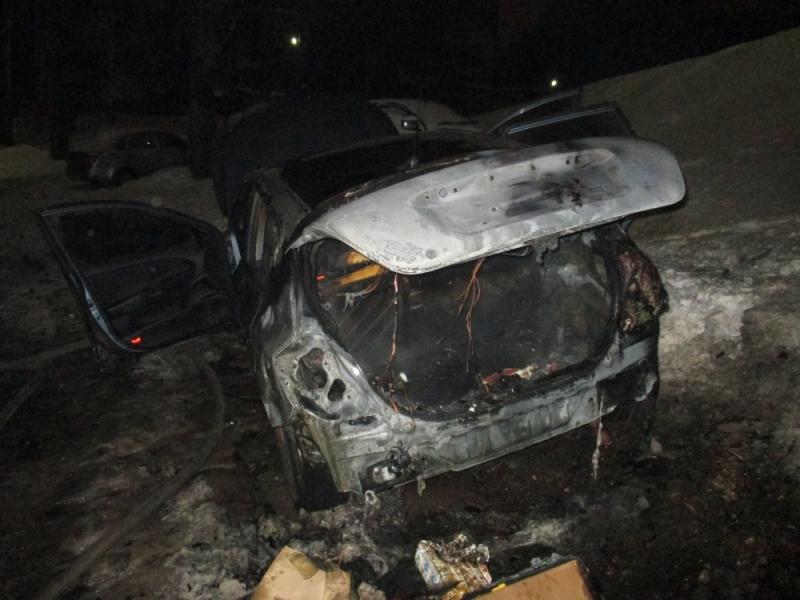 ВЯрославле сгорел автомобиль «Фольксваген»