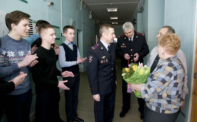 Ярославские школьники отправили посылку полицейским наСеверный Кавказ