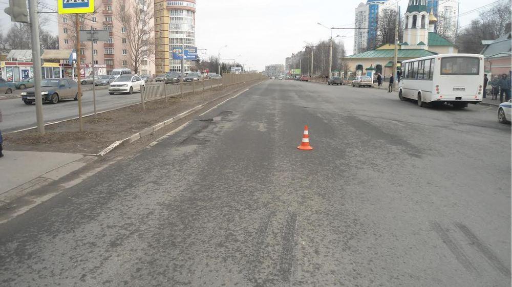 Ярославна угодила под колеса автобуса напешеходном переходе