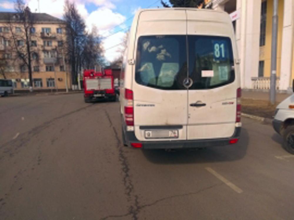 ВЯрославле маршрутное такси попало вДТП