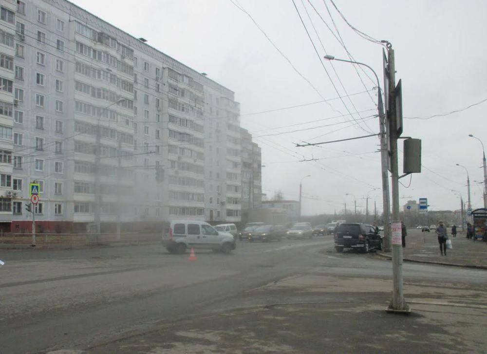 ВРыбинске таксист грубо нарушил правила исам пострадал вДТП