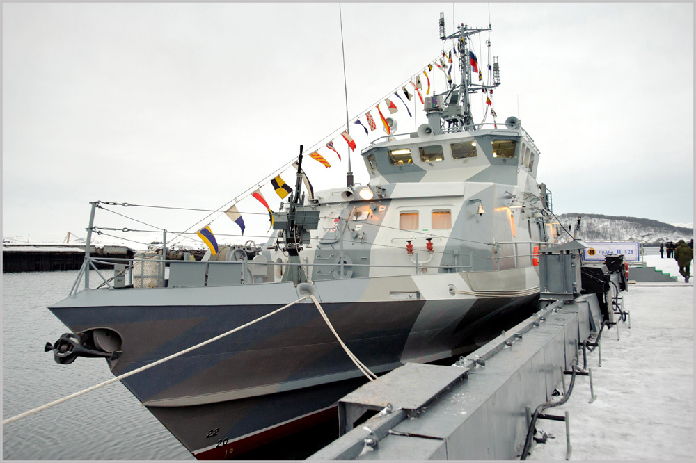 ВРыбинске наводу спустили противодиверсионный катер «Грачонок»