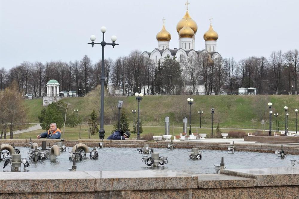ВЯрославле фонтаны наСтрелке опять заиграют цветными огнями