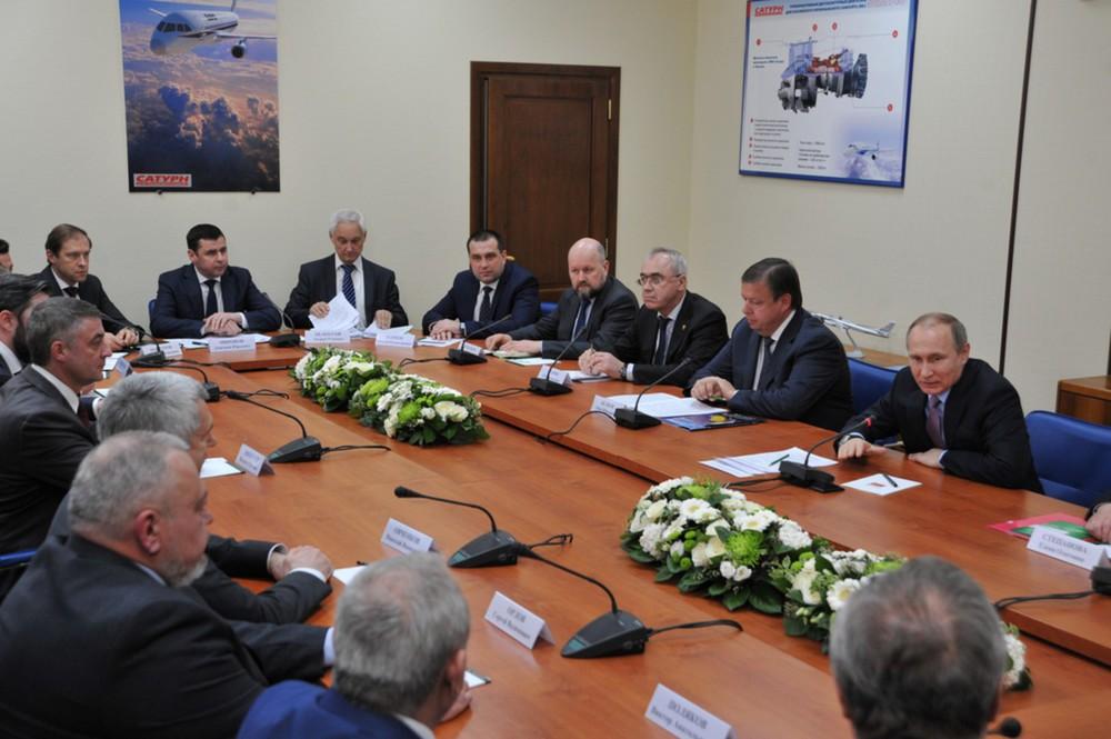ПрезидентРФ обсудил спредставителями деловых кругов как улучшить субсидирование экспорта автопрома