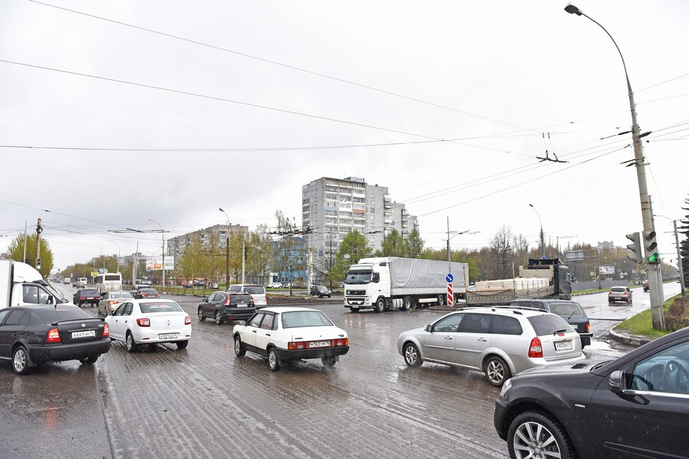 Насамом широком перекрестке вБрагине установят 14 светофоров