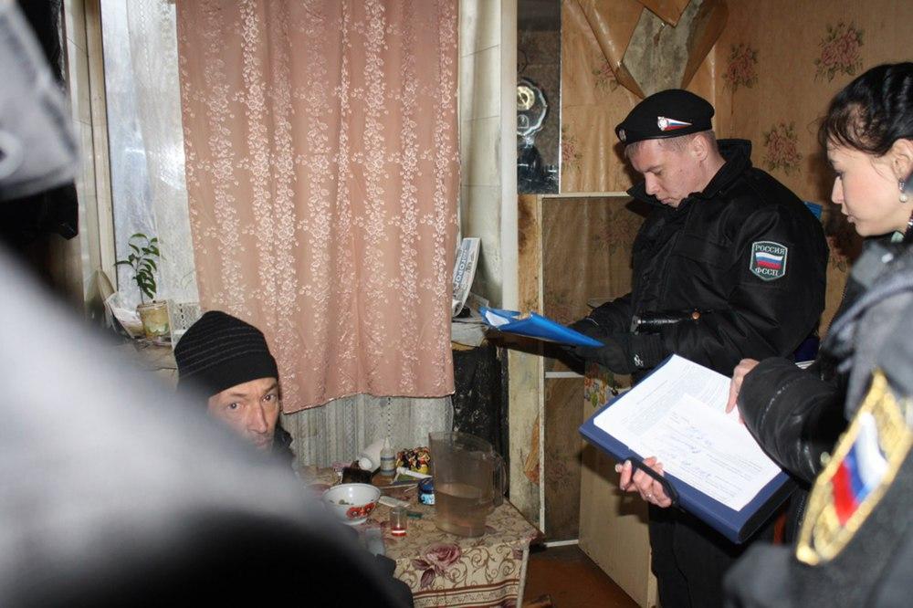 Уярославца арестовали две квартиры задолги перед сыном