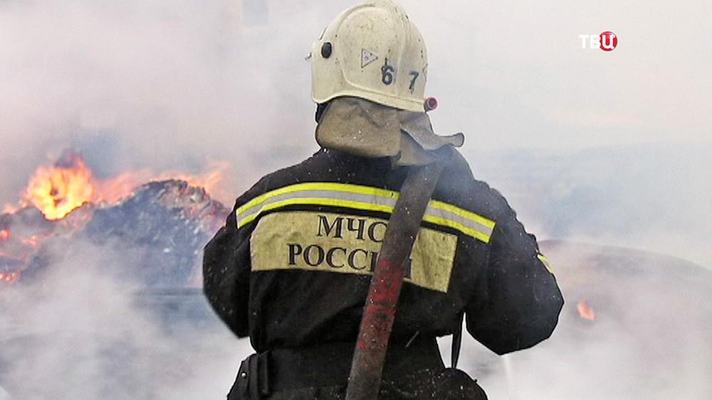 Вовремя пожара вЯрославле cотрудники экстренных служб вывели детей изогня