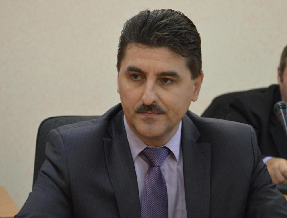 Заместитель главы города Ярославля Николай Степанов написал объявление пособственному желанию
